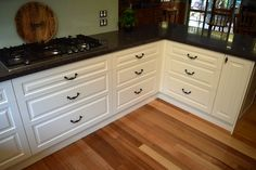 Traditional / Classic kitchen. www.summitkitchens.com.au.