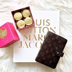 Golden red velvet #laudree #macarons, Louis Vuitton Marc Jacobs Book + Louis Vuitton agenda