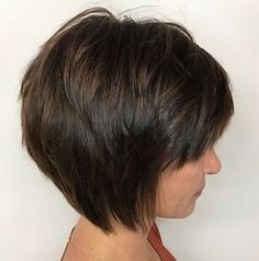 This chocolate tapered bob is one of the most unique medium short haircuts. This chocolate tapered bob is one of the most unique medium short haircuts. The extra pieces are added to the crown section for an all over piece-y, r. Layered Bob With Bangs, Layered Bob Short, Short Hair With Layers, Short Cuts, Short Stacked Hair, Short Bobs With Bangs, Short Wavy, Short Hair Cuts For Women, Medium Short Haircuts