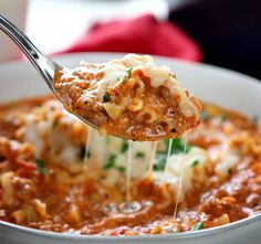 Seriously the best! Once you try this Lasagna Soup you will be hooked. it's easy and so satisfying Gourmet Recipes, Crockpot Recipes, Soup Recipes, Healthy Recipes, Lasagna Recipes, Dinner Recipes, I Am Baker, Lasagna Soup, Lasagna Noodles