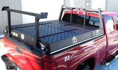 cuerpo de servicio en una camioneta por los productos de la carretera.