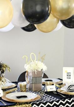Decorate your table on New Year's Eve. Ideas to decorate the New Year's Eve party. - Celebrat : Home of Celebration, Events to Celebrate, Wishes, Gifts ideas and more !