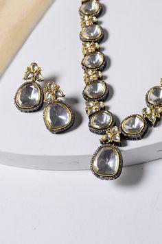 Indian Wedding Jewelry, Indian Jewelry, Bridal Jewelry, Jewelry Party, Costume Jewelry, Necklace Sizes, Gold Necklace, Turquoise Jewelry, Gold Jewelry