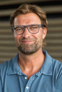 Cordula Schill Styling Jürgen Klopp for PHILIPS - photo by Jochen Manz Liverpool Fc, Liverpool Klopp, Liverpool Football Club, Premier League, Juergen Klopp, German Women, Trainer, Tv Commercials, Inspiring Quotes About Life
