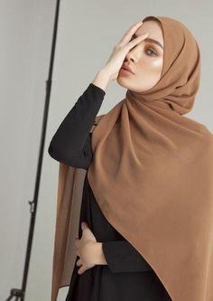 Style Casual Hijab Scarfs 27 New Ideas Modern Hijab Fashion, Muslim Fashion, Modest Fashion, Fashion Dresses, Simple Hijab Tutorial, Hijab Style Tutorial, Casual Hijab Outfit, Hijab Chic, Hijabi Girl