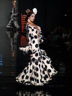 SIMOF'09 Garment Of Praise, Muumuu, Gypsy Dresses, African Wear, White Style, Bohemian Style, Flamenco Dresses, Fashion Beauty, Fashion Show