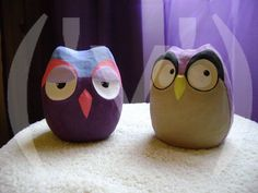 corujinhas de papel mache by ('v')arga_('v')ache, via Flickr