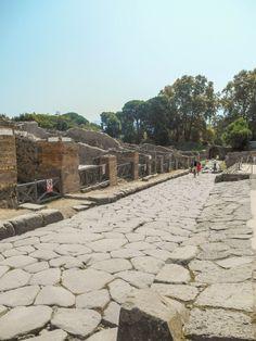 Pompéi près de Naples en Italie                              …