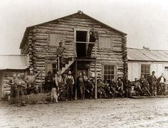 Here for your consideration is an aesthetic picture of 23 men posed outside Yukon Gold Co. Dawson, It was created in The photograph presents 23 men posed outside Yukon Gold Co. Canadian History, Us History, American History, American Pride, Kodiak Alaska, Pancho Villa, Elizabeth Banks, Old Pictures, Old Photos
