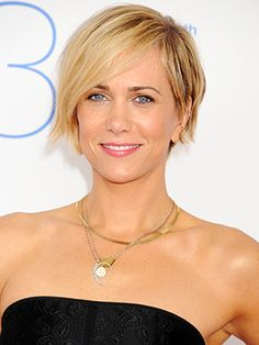 In addition to being one of the funniest human beings of our time, Kristen Wiig also routinely kills it on the red carpet with really good hair and an enviable jewelry wardrobe. But stylish as the Bridesmaids and former...