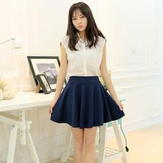 *Classic look. Simple plain, and nice. Good for work, and as a background for something playful without losing all calmness.* Buy 'Jenny's Couture – Inset Shorts Mini Skirt' with Free International Shipping at YesStyle.com. Browse and shop for thousands of Asian fashion items from China and more!