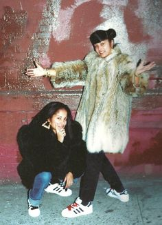 Check coming from the most up-to-date Hip-hop fashion and types of boots causing it to be major in the market place. Hip Hop Fashion, 80s Fashion, Look Fashion, Vintage Fashion, Womens Fashion, 80s Hip Hop, Hip Hop Rap, Hipster Outfits, Afro Punk