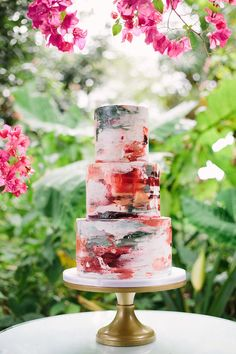 Social Miami: Birds of a Feather Wedding Inspiration - - Yummy Kuchen! -Styled Social Miami: Birds of a Feather Wedding Inspiration - - Yummy Kuchen! - ✔ 30 wedding cakes so elegant, we can't look away 00098 Naked Wedding Cake, Unique Wedding Cakes, Wedding Cake Designs, Trendy Wedding, Elegant Wedding, Rustic Wedding, Unique Cakes, Wedding Cake Flowers, Wedding Colors