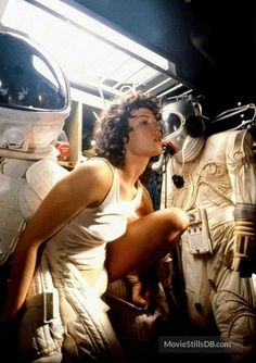 A gallery of Alien publicity stills and other photos. Featuring Sigourney Weaver, John Hurt, Ian Holm, Tom Skerritt and others. Alien Film, Alien 1979, Sci Fi Horror, Horror Films, Horror Stories, Cult Movies, Sci Fi Movies, Movie Tv, Sigourney Weaver Ghostbusters