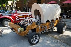 1900 Overland covered wagon manure spreader custom by George Barris Hot Wheels Cars, Hot Cars, Custom Wheels, Custom Cars, Classic Trucks, Classic Cars, Model Cars Kits, Weird Cars, Hot Rod Trucks