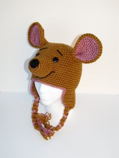Crochet Kangaroo Hat With Earflaps por BriAbbyHMA en Etsy Disney Crochet Hats, Crochet Kids Hats, Crochet Cap, Crochet For Boys, Crochet Beanie, Knitted Hats, Crochet Character Hats, Animal Hats, Yarn Crafts