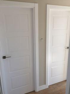 puerta de interior lacada Interior Window Trim, Door Design, Craftsman, Tall Cabinet Storage, Sweet Home, My Room, Windows, Doors, Flooring