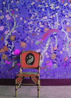 Chinoise stencil violet wall 17
