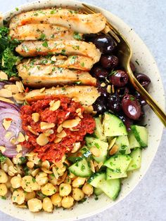 This Chicken Kale Energy Bowl with Sun-Dried Tomato Sauce is full of flavor and nourishment...  It's packed with protein, veggies, grains and lots of fiber!  http://tasteandsee.com