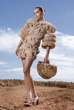 Gabriela Rosés 2010 Sculptural Fashion, Wearable Art, Ruffles, Fashion Ideas, Fashion Beauty, Africa, Nude, Textiles, Photoshoot