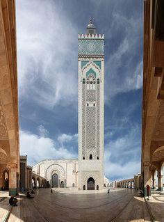 Mosquée Hassan II, Casablanca, Marocco                       by  Andrea Biagianti