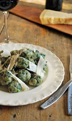 Malfatti de espinaca una pasta fresca bastante sencilla de hacer y superextra deliciosa.