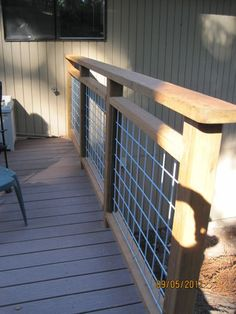 The deck railing style you selected for your new deck is the piece de resistance of the task. Read Best Deck Railing Styles Ideas and Installation Guide Wire Deck Railing, Hog Wire Fence, Cattle Panel Fence, Hog Panel Fencing, Horizontal Deck Railing, Welded Wire Fence, Deck Spindles, Porch Railings, Metal Deck