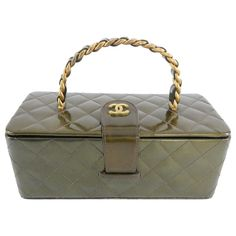 10800529ca2f5a 34 Best Chanel Vanity Case images | Chanel vanity case, Beige tote ...