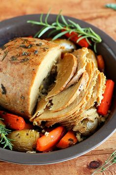 What You'll Need Tofurky Roast, thawed in fridge for at least 24 hours 1 medium-large sweet potato, scrubbed 2 carrots 8-10 fingerling potatoes 2 tbsp soy sauce 2 tbsp olive oil 1/2 tsp thym…