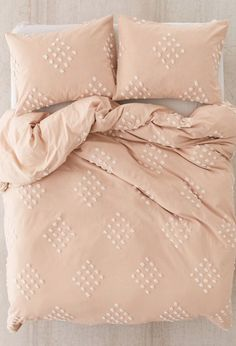 Luxury Bedding Sets For Less Pretty Bedroom, Cozy Bedroom, Dream Bedroom, Home Decor Bedroom, Art For Bedroom, Tranquil Bedroom, Bedroom Black, Bedroom Ideas, Pink Bedrooms
