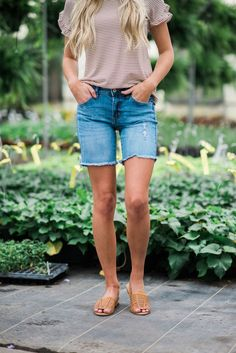 Mid Length Shorts – Livy&Kate Clothing When Shakespeare wrote& I c. - Mid Length Shorts – Livy&Kate Clothing When Shakespeare wrote& I compare thee to a s - Modest Summer Outfits, Modest Shorts, Outfits Casual, Short Outfits, Summer Clothes, Laura Lee, Bermuda Shorts Outfit, Summer Shorts, Summer Tops