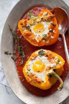Baked Eggs in Stuffed Peppers #recipe