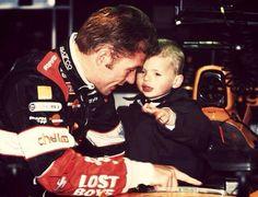 Papa Jos in dienst van Arrows met een ca. driejarige Max (2000)