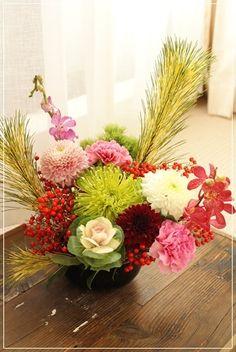 【今日の贈花】新年を飾る花|Flower note の 花日記 (横浜・上大岡 アレンジメント教室)