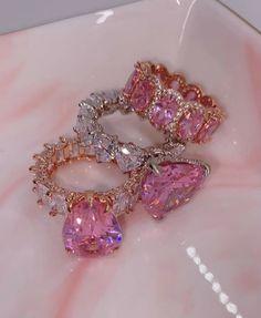 Nail Jewelry, I Love Jewelry, Jewelery, Jewelry Accessories, Fashion Accessories, Fashion Jewelry, Women Jewelry, Latest Jewellery Trends, Jewelry Trends