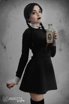 Character: Wednesday Addams / From: 'The Addams Family' / Cosplayer: Kelsey Atkins (aka JinxKittie Cosplay) / Photo: Kelsey Atkins Black Dress Halloween Costume, Family Halloween Costumes, Halloween Kostüm, Halloween Cosplay, Halloween Outfits, Vestidos Sexy, Mini Vestidos, Wednesday Addams Cosplay, Wednesday Addams Makeup