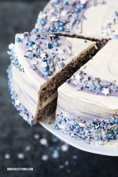 Galaxy Cake Rezept Galaxie Torte Sterne Mohn weisse Schokolade