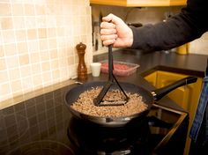 Minced meat is perhaps the kind of meat that we use most. The Hack & Flip can easily transform from a regular spatula to the best tool for making the perfect minced meat. Hack & Flip was developed to make mincing and chopping in the most easy way. Mince Meat, Ground Meat, Kitchen Gadgets, Flipping, Tacos, Canning, Easy, Products, Ground Beef