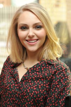 The Carrie Diaries' AnnaSophia Robb was out and about in New York City this week promoting her new show. CK One global makeup artist Hung Vanngo created this Annasophia Robb, Hollywood Actress Photos, The Carrie Diaries, Girl Celebrities, Casual Hairstyles, Celebrity Beauty, Celebrity Pictures, Beautiful Actresses, New Hair
