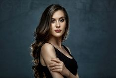 Portrait Lighting With A Parabolic Umbrella - Creative Studio Photography & Lighting on Fstoppers Portrait Photography Lighting, Photography Women, Light Photography, Photography Ideas, Creative Portraits, Studio Portraits, Photography Studio Background, Fashion Model Poses, Photocollage