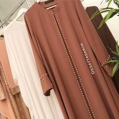 Image may contain: 1 person Abaya Fashion, Muslim Fashion, Modest Fashion, Fashion Dresses, Muslim Dress, Hijab Dress, Hijab Outfit, Mode Abaya, Mode Hijab