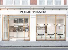 Milk Train Arrives in London's Covent Garden in Art Deco Playfulness Café Design, Design Studio, Store Design, Clean Design, Cafe Shop Design, Shop Front Design, Brand Design, Design Ideas, Covent Garden