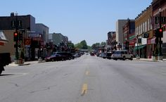 Always loved this shot of Main Street in Monett, MO in the few short years we spent there. An old-fashioned, honest-to-goodness downtown with a lot of great places to shop and do business!