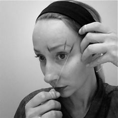 Accurately determine brow shape with dental floss and eyeliner. Genius!