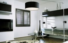 Black shutters - Design trends in 2015 Black Shutters, Shutter Designs, Contemporary Lounge, Black Windows, Blinds For Windows, Window Blinds, Window Styles, Beautiful Living Rooms