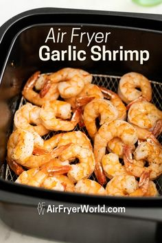 Healthy air fryer shrimp recipe with lemon. This air fried shrimp comes out perf… Healthy air fryer shrimp recipe with lemon. This air fried shrimp comes out perfect, crisp and super quick in 15 minutes. How to cook shrimp in air fryer Air Fryer Oven Recipes, Air Frier Recipes, Air Fryer Dinner Recipes, Air Fryer Recipes For Shrimp, Air Fryer Rotisserie Recipes, Camarones Fritos, Healthy Dinner Recipes, Cooking Recipes, Healthy Dinners