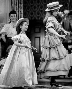 Margaret O'Brien and Judy Garland in Meet Me in St. Louis (1944)