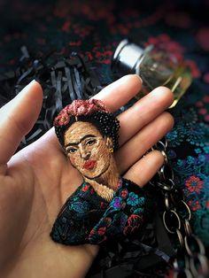 Брошь Фрида Кало  Вышивка Brooch Frida Kahlo