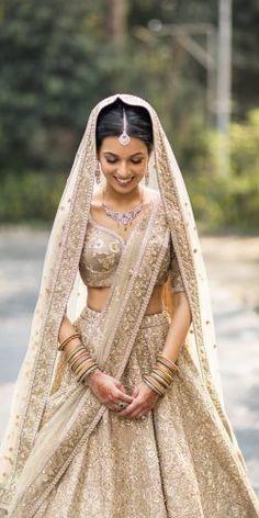 40 Ideas Wedding Lengha Bridal Lehenga Outfit For 2019 Indian Bridal Outfits, Indian Bridal Lehenga, Indian Bridal Wear, Bridal Dresses, Indian Wedding Dresses, Lehenga Wedding Bridal, Indian Wedding Bridesmaids, Indian Bridal Party, Bollywood Wedding