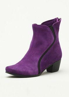 Plus Size Wide Ladies Shoes – Large Size 11 - Size 12 Women Shoes - HEPBURN ANKLE BOOT - TS14